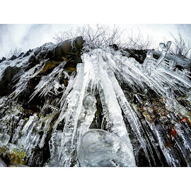 The piercing icicles in the Blue Ridge Mountains. These icicles could seriously do some damage! Winter's majestic beauty at it's finest! 😄  # by Ashley Barlow - Instagram & Mobile Other ( outdooradventurephotos, icicles, shenandoah, wanderlust, photooftheday, adventureculture, mountains, exploreva, nature, rei1440project, goprooftheday, ice, lifeofadventure, welivetoexplore, outdoorwomen, goprohero4, liveauthentic, instagood, travelbug, adventurethatislife, loveva, outdoorlife, neverstopexploring, picoftheday, virginiaisforlovers, winter, alpinebabes, blueridgeparkway, simplyadventure, gopro, radgirlslife, blueridgemountains, earthgirladventures )