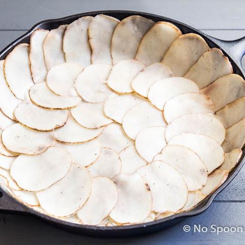Spanish Potato Crusted Frittata {with Chorizo, Manchego & Sundried ...