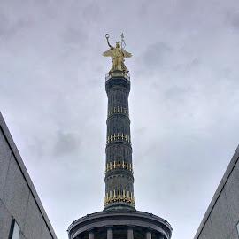 Siegeshaule, Berlin by Warren Edgar-Gillespie - Buildings & Architecture Statues & Monuments