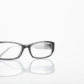 glasses by Stewart Thompson - Artistic Objects Jewelry