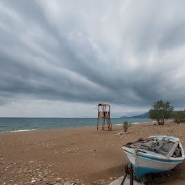 Waiting for summer by Grigoris Koulouriotis - Landscapes Beaches ( clouds, sand, winter, beach, boat )