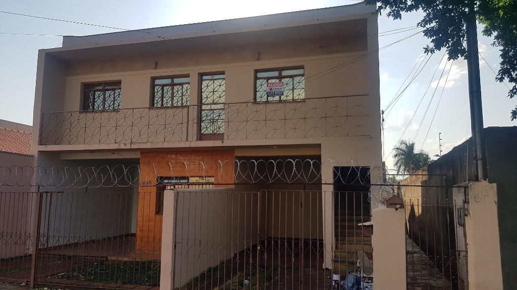Casa com 2 dormitórios para alugar, 65 m² por R$ 750,00/mês - São Benedito - Uberaba/MG