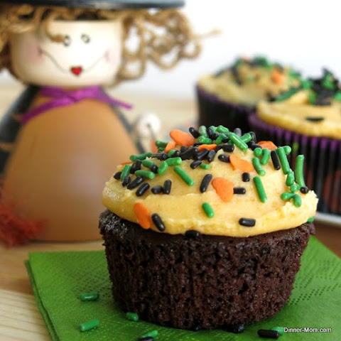 Chocolate Pumpkin Cupcakes with Pumpkin Buttercream Frosting