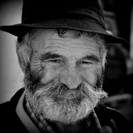 Série Rostos de Lisboa  - 49 by Francisco Ourique - People Portraits of Men (  )