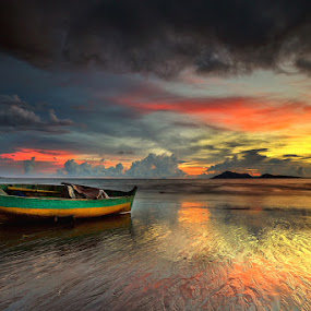THE BEAUTY OF COLOUR SUNSET by Jasen Tan - Landscapes Beaches
