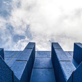 Detalle de manos y libro unach by Alighieri Rizo - Buildings & Architecture Architectural Detail ( arquitectura, unach )