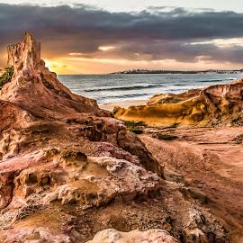 Sunrise in Cotovelo. by Rqserra Henrique - Landscapes Sunsets & Sunrises ( brazil, dawn, natal, rqserra, colorfull, sunrise, beach, morning, rocks )