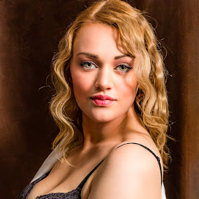 Megan by Carl Albro - People Professional People ( woman, beauty, portrait,  )