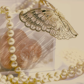 pastel pearls by Carole Pallier Cazzazsnapz - Artistic Objects Jewelry ( abstract, butterfly, straw, decoration, pearls, art, ornament, box, jewelry )