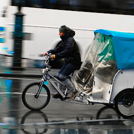 taxi by Guilherme  Junior - Transportation Bicycles ( bike, cityscape, transportation, city )