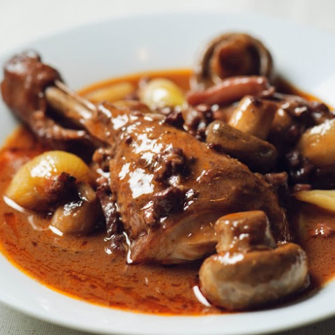 Slow Cooker Traditional Style Coq Au Vin