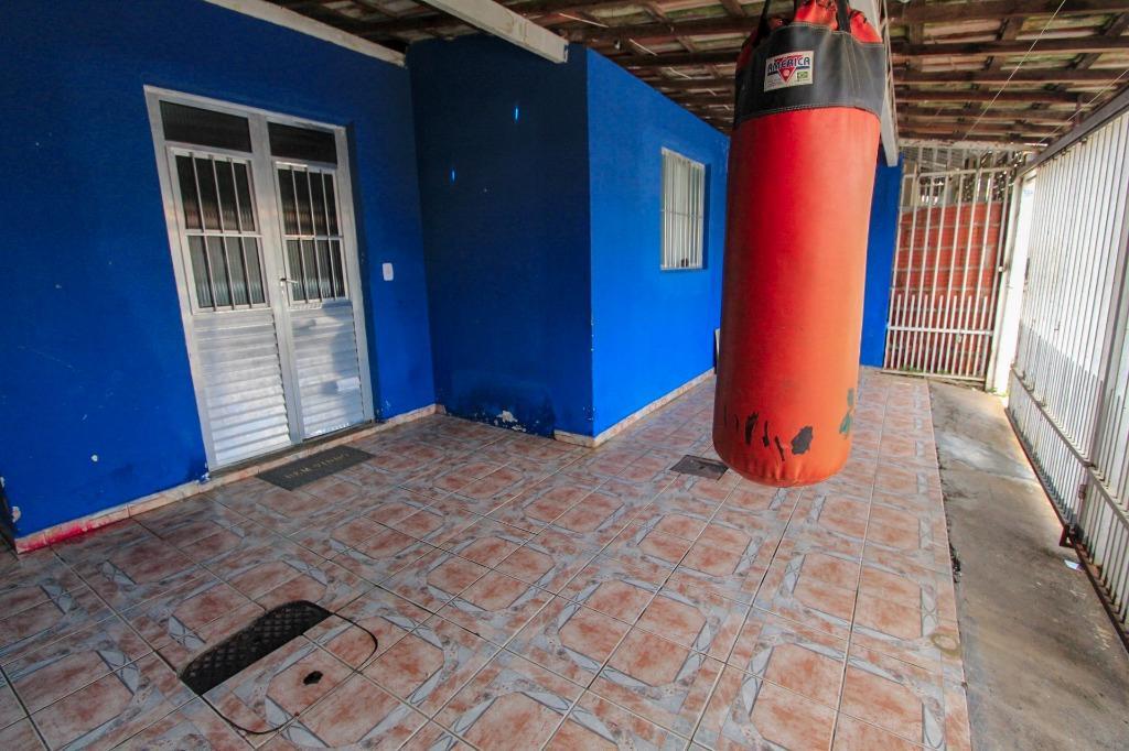Casa para Venda 100 m²  com 3 quartos