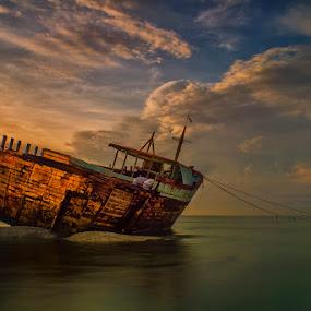 .:: ghost ship ::. by Setyawan B. Prasodjo - Transportation Boats (  )