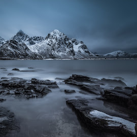 cold lofoten by Felix Ostapenko - Landscapes Waterscapes ( clouds, water, mountains, long exposure, travel, nordland, rocks, lofoten, norway )