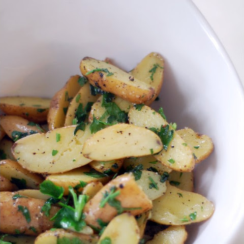 Fingerling Potatoes With Butter and Parsley