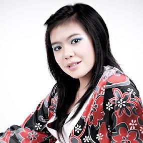 Japan Kimono 2 by Silvano Rikiputra II - People Fashion