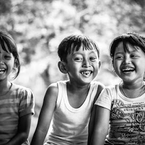 Orlyn, Farel dan Mayang by Freddy Hernawan - Babies & Children Child Portraits ( farel, orlyn, mayang )