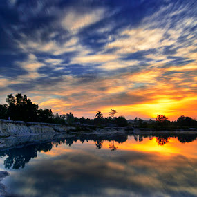Kawah Putih Belitong by Eddie Cheever - Landscapes Weather ( belitung )