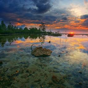 Tanjung Kapur, Tanjungpandan by Eddie Cheever - Landscapes Weather ( belitong, belitung )