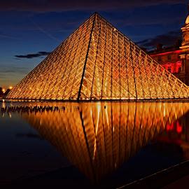 Pyramid Louvre Paris by Michaela Firešová - Buildings & Architecture Public & Historical ( paris, louvre, pyramid, night )