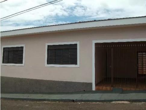 Casa com quartos para Alugar, 117 m²