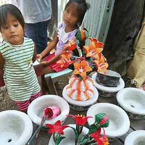 Meet ends by Adoracion Bautista - Uncategorized All Uncategorized ( poor, children, young,  )