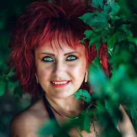 Green eyes by Alexandru Tache - People Portraits of Women ( love, green leaves, art, reflection, green eyes, artistic, portrait, vegetables, summer, life, journalism, nikon, urban, landscape, photography )