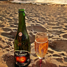 Bonjour de Bretagne by Ciprian Apetrei - Food & Drink Alcohol & Drinks ( cider, alcohol, ocean, brittany, beach )