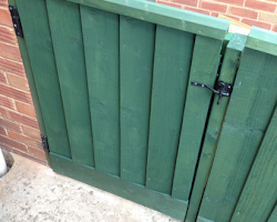 painted gate | Paul Jackson Landscaping & Fencing