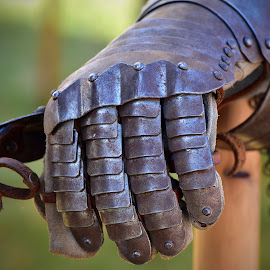 Metal Gloves by Marco Bertamé - Artistic Objects Antiques ( warrior, metal, middle age, gloves, medieval, war, knight )