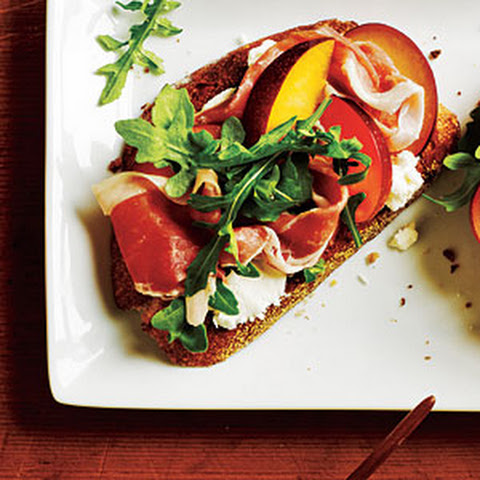 Open-Faced Prosciutto and Plum Sandwiches Recept | Yummly