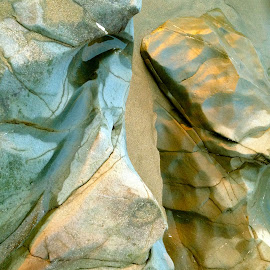 by Andy Haldrup - Nature Up Close Rock & Stone