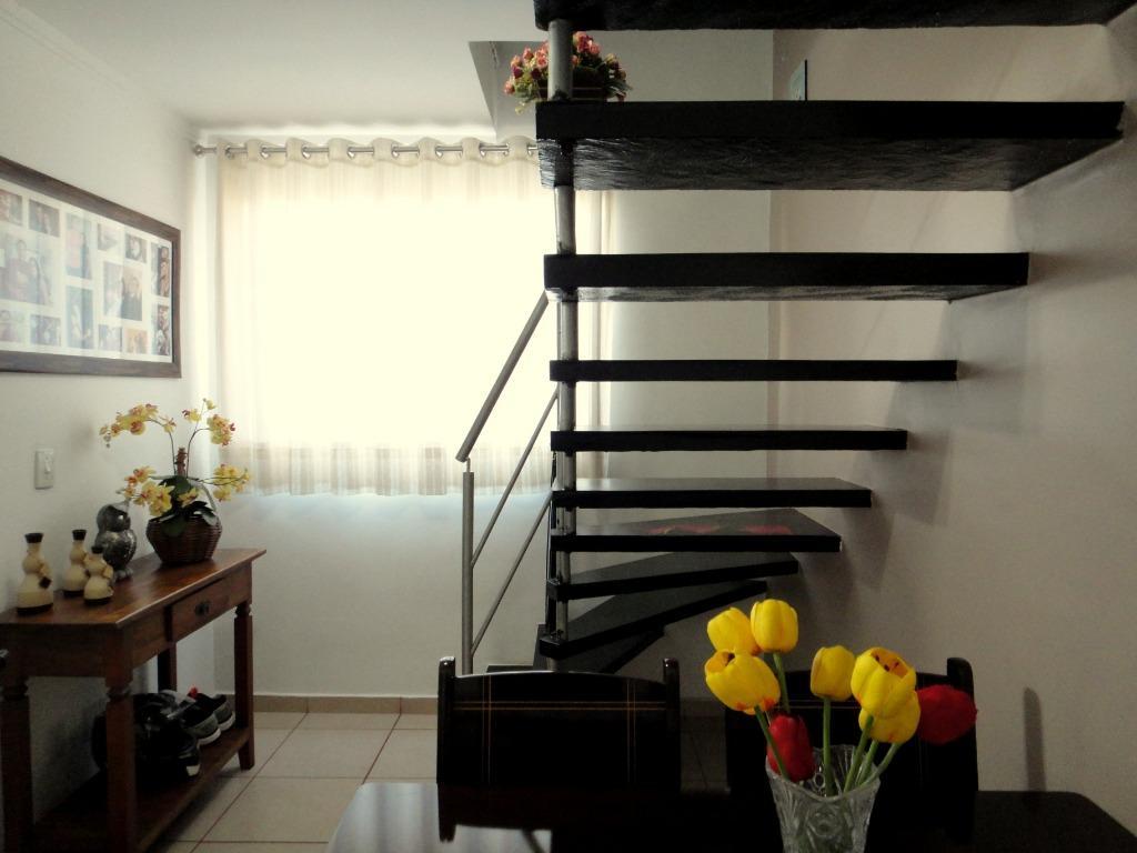 Casa com quartos para Alugar, 97 m²