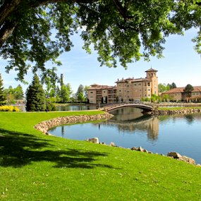 The Broadmoor Hotel by Barbara Suggs - Landscapes Travel