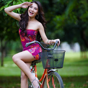 Sparkling by Deddy Dwianto - People Portraits of Women