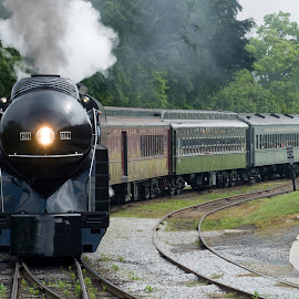 611 rolls on by Steven Faucette - Transportation Trains