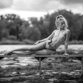 wild one by Reto Heiz - Nudes & Boudoir Artistic Nude ( snake, nude, black and white, outdoor, nudeart, female nude )