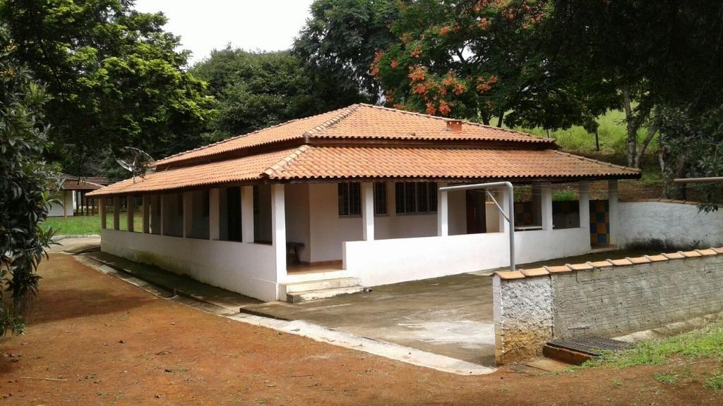 Maravilhoso Sítio com 3 dormitórios à venda, 75000 m² por R$ 680.000 - Rio Do Peixe - Cambuí/MG