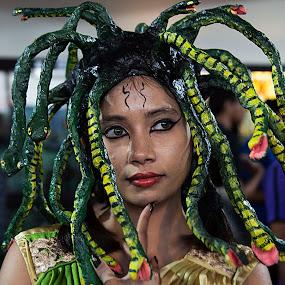 The Think Reader by ডাঃ মুহাম্মদ হাসান - People Portraits of Women ( bangladesh, think reader, people, halloween, dhaka )