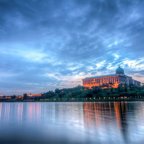 Sunrise @ Perdana Putra, Putrajaya by Zack Zaidi - Landscapes Sunsets & Sunrises ( pm office, reflection, putrajaya, mosque, malaysia, sunrise )