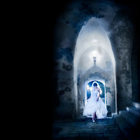 Fairy tale bride in old city of Israel by Kira Likhterova - Wedding Bride