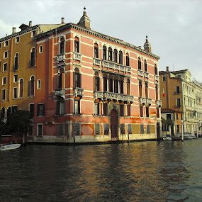 Homes on the canal - Venice by Emilie Robert - Buildings & Architecture Homes ( water, building, venice, holidays, palazzio, tourism, homes, canal )