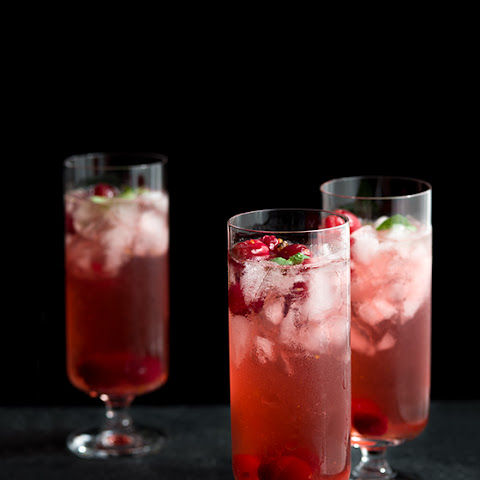 Thanksgiving Cranberry Spice Cocktails
