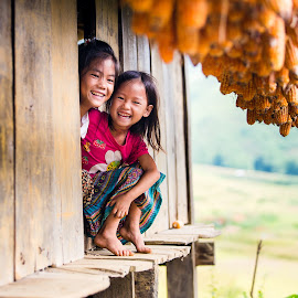 Pure smile by Ngo Huy - Babies & Children Children Candids ( pure, tradditional, dress, innocent, children candids, children, vietnam, sunlight, smile, mu cang chai, corn )