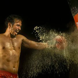 Hoooaaahhhhh by Indrawan Ekomurtomo - Sports & Fitness Boxing