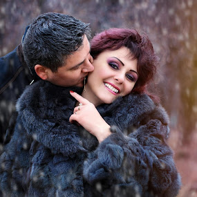 Snow time by Alexandru Tache - People Couples ( model, people, portrait, love, sexy, winter, family, woman, snow, outdoor, smile, light, man )