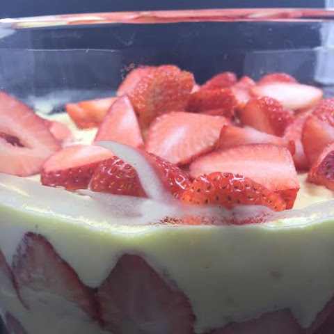 Strawberry Trifle Shortcake, Creamy and Yummy!