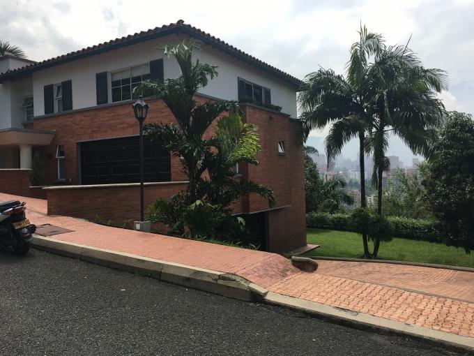 casas en venta poblado 585-2825