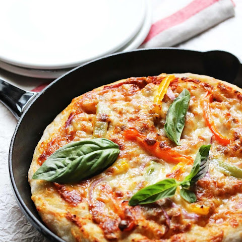 Sausage and Peppers Skillet Pizza