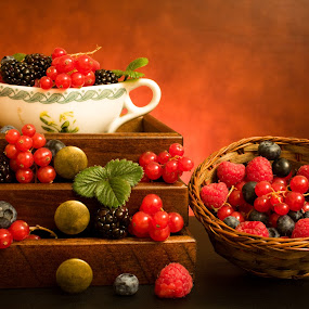 Still Life With Berries by eZeepics Studio - Food & Drink Fruits & Vegetables ( studio, cranberry, warm, blueberry, aroma, diet, wood, still life, leaf, drawer, whim, bilberry, vitamins, style, richness, wellness, cooking, light, dessert, pwcstilllife-dq, fruit, art, atmosphere, blackberries, health, strawberry, raspberries, blackberry, organic, nutrition, red, color, food, tray, basket, ripe, natural, antique, berries, abundance )